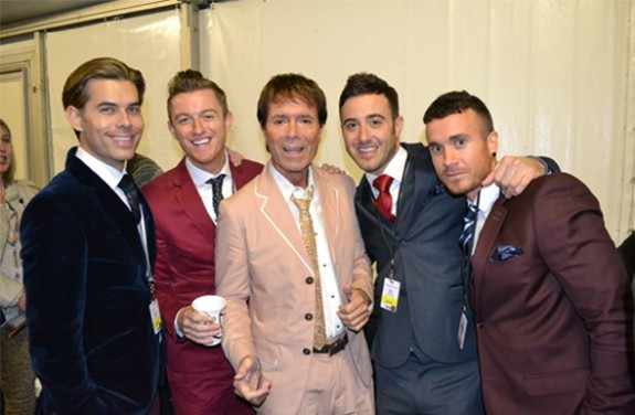 theovertones-with-cliff-richard
