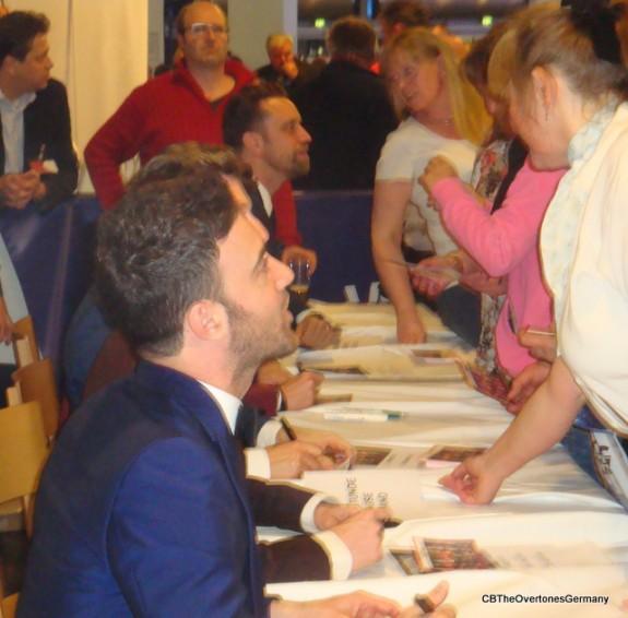 Signing Hamburg